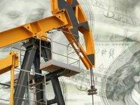 Цены на нефть остаются на максимуме за четыре года