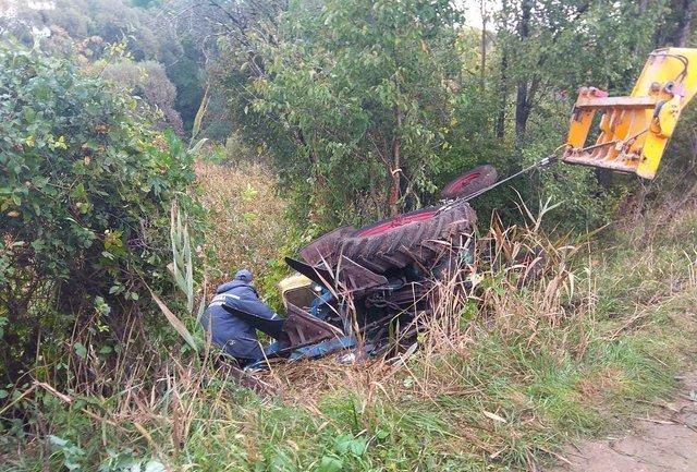 В Кировоградской области трактор упал в кювет — погиб водитель