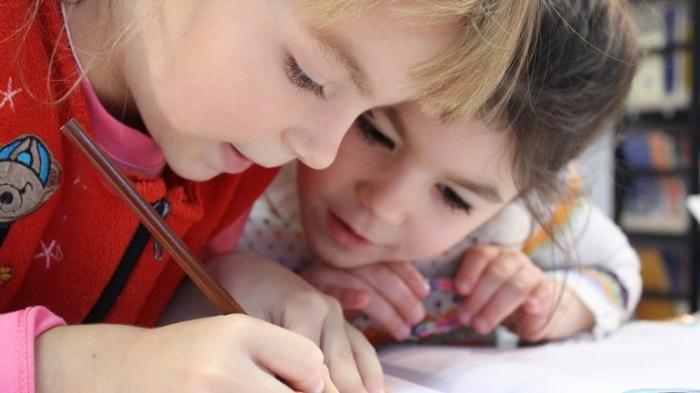 Ульяна Супрун рассказывает как правильно заставлять детей ходить в школу