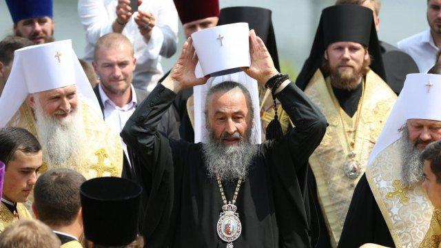 Для экзорцизма: Порошенко отправится в Лавру на встречу с лидерами УПЦ МП