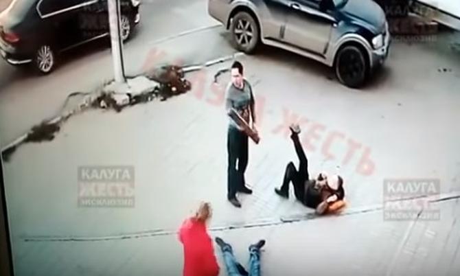 Россиянин проломил головы палкой двум террористам «ДНР» (ВИДЕО 18+)