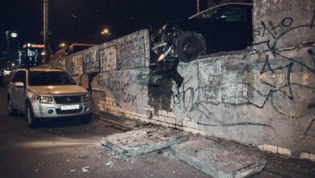 ДТП на Шулявском мосту: в больнице умер пострадавший