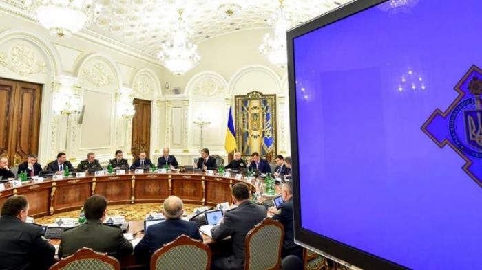 Выбирая будущее: Как на Украину повлияет введение военного положения