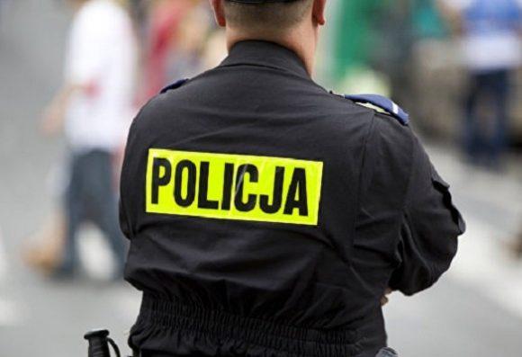 Польская полиция возбудила дело из-за наклейки с гербом Украины на автомобиле