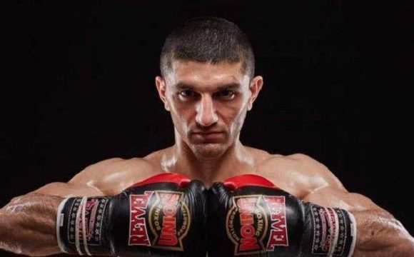 Украинец Артем Далакян защитил титул чемпиона мира WBA