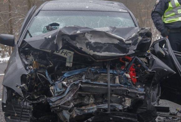 Под Киевом смертельное ДТП: столкнулись двех легковушки и маршрутка