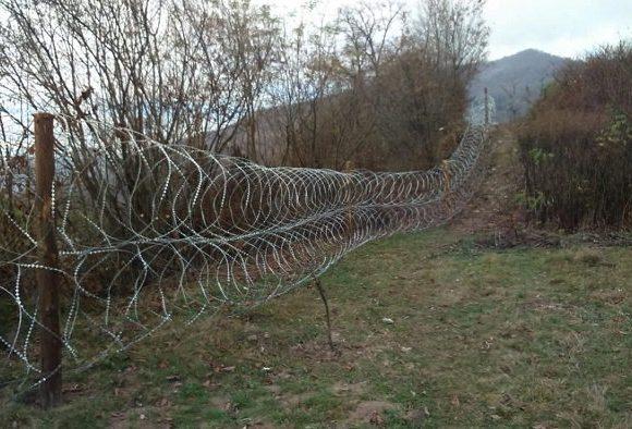 Все ради борьбы с контрабандой: на Закарпатье потратились на километры колючей проволоки
