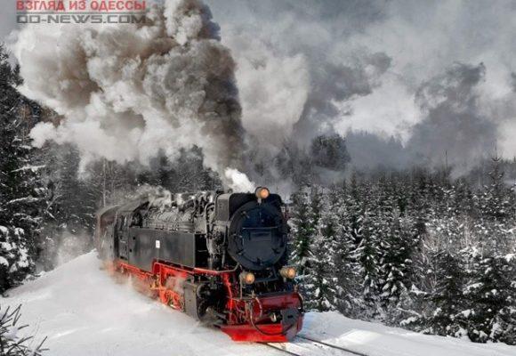 На одесской железной дороге мужчина не успел перейти переезд