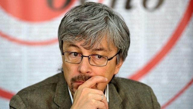 Гендиректор «1+1» расставил приоритеты между Порошенко и Зеленским