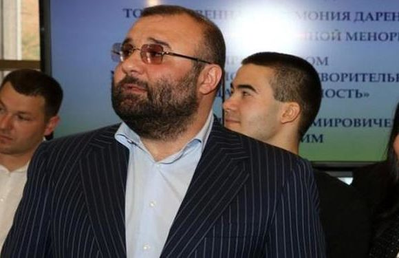 Носитель Томоса Нарик-Петровский оказался владельцем наградного Glock 17