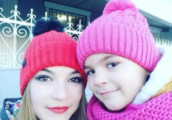 В Одесской область пропали молодая женщина с ребенком (фото)
