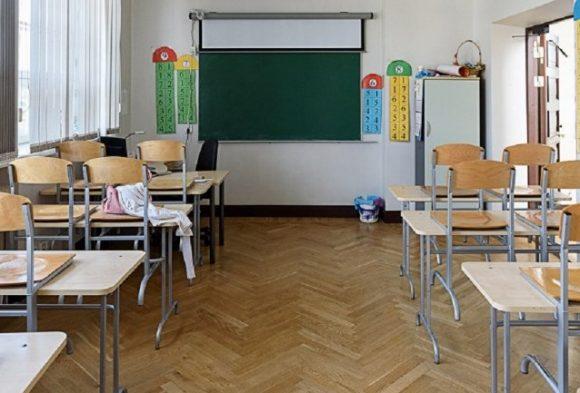 Целый букет: во Львовской области сотни школ закрылись из-за кори, гриппа и ОРВИ