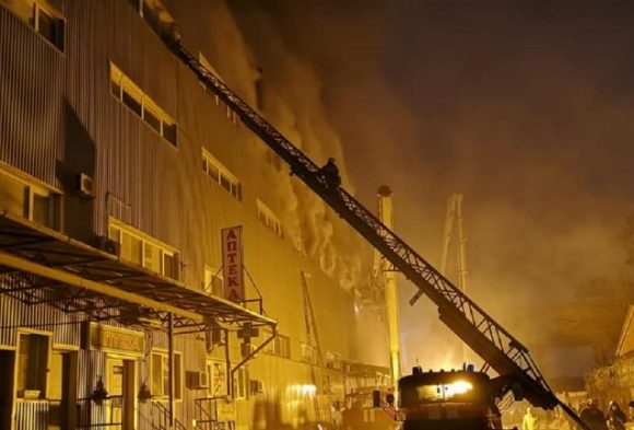 Пожар на складах Киева: возможен скорый обвал