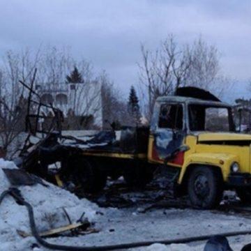 В Харькове во время ремонта водопровода взорвалось авто, пострадали люди